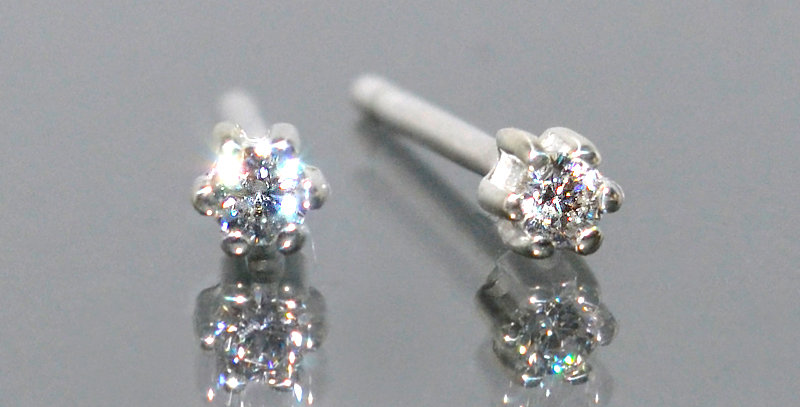 2.0mm 一粒ダイヤモンド 6本爪スタッズピアス PT900(プラチナ)