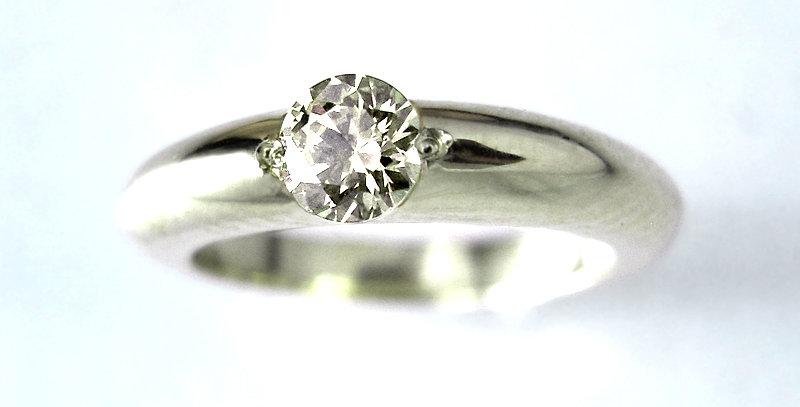ベビーリング 4月誕生石ダイヤモンド pt900(プラチナ)