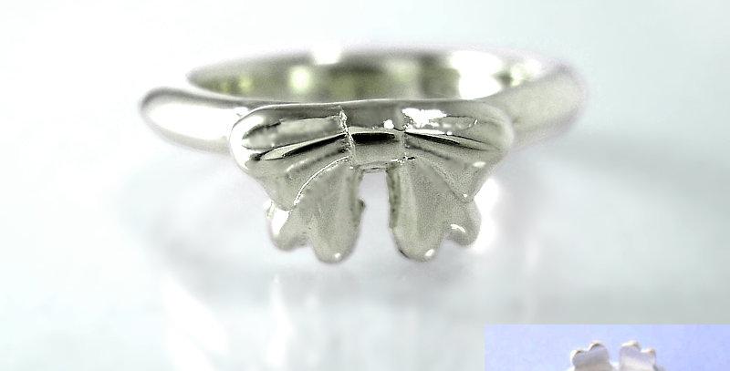リボンのベビーリングC 4月誕生石ダイヤモンド SV925(シルバー)