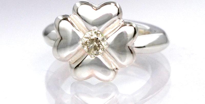 四つ葉のクローバーベビーリング 4月誕生石ダイヤモンド SV925(シルバー)
