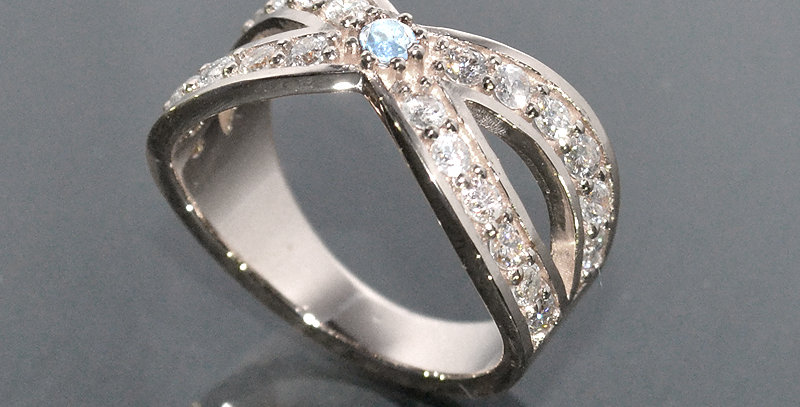 【6月誕生石】 ブルームーンストーン&ダイヤモンド  インターセクトリング  K18WG(18金ホワイトゴールド)