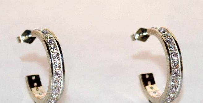 ダイヤモンドフープピアス PT900(プラチナ)