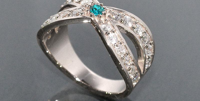 【11月誕生石】 ブルートパーズ&ダイヤモンド  インターセクトリング  K18WG(18金ホワイトゴールド)