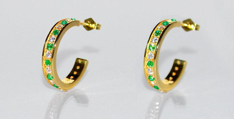 5月誕生石エメラルド&ダイヤモンド エタニティフープピアス K18YG(18金イエローゴールド)