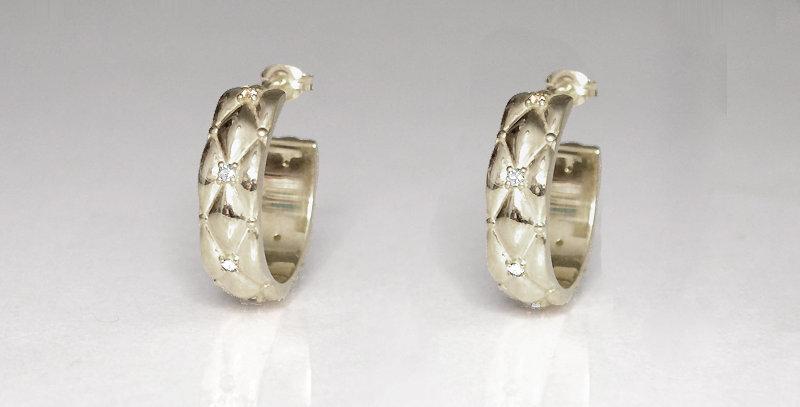 4月誕生石ダイヤモンド ダイヤキルトフープピアス スターリングシルバー(SV925) プラチナコーティング