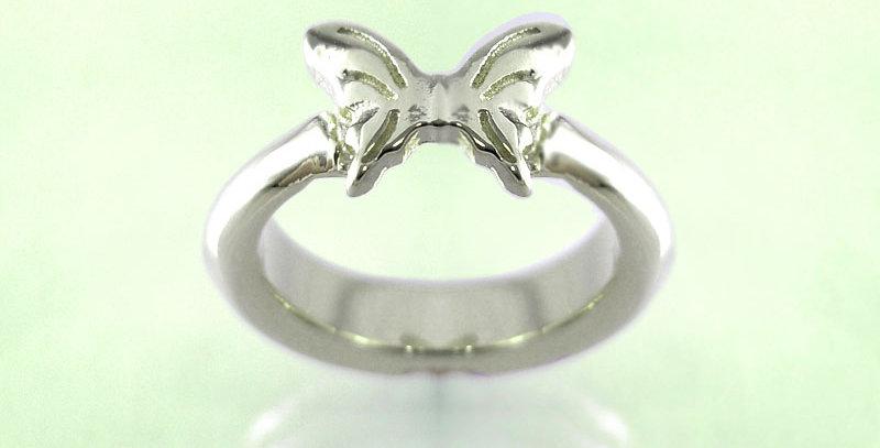 小さな蝶々のベビーリング 選べる誕生石 pt900(プラチナ)