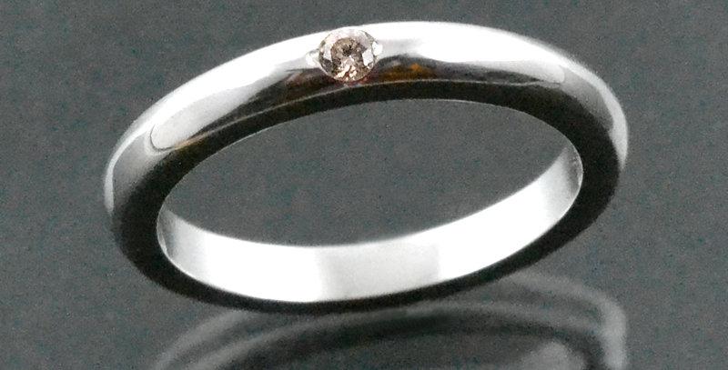 一粒ダイヤモンド フラットリング pt900(プラチナ)