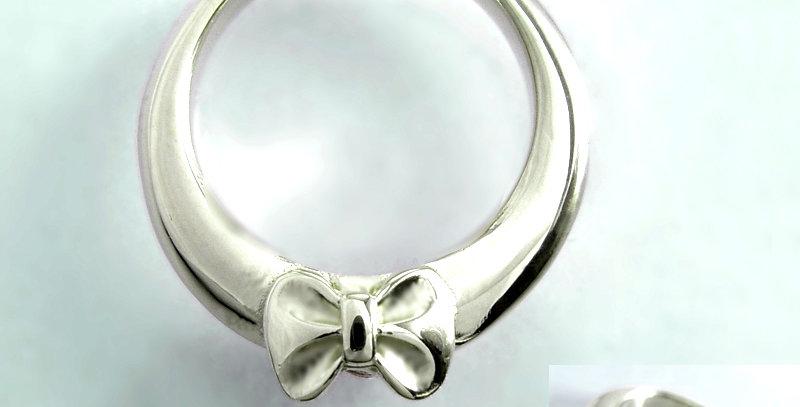 リボンのベビーリング<ペンダントタイプ> 3月誕生石アクアマリン SV925(シルバー)