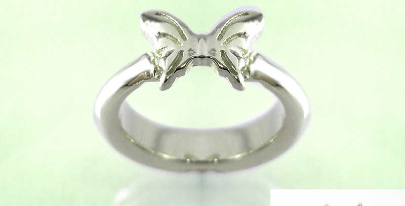 小さな蝶々のベビーリング 2月誕生石アメジスト pt900(プラチナ)