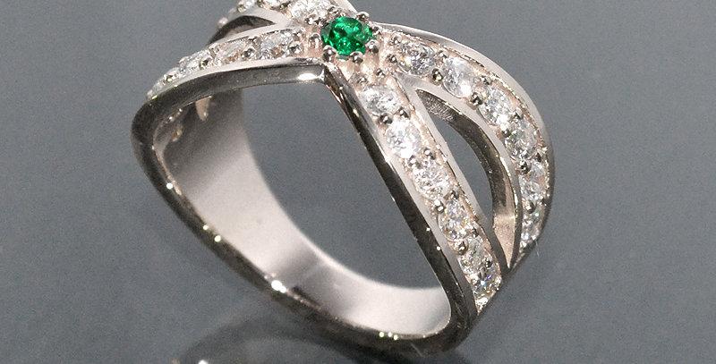 【5月誕生石】 エメラルド&ダイヤモンド  インターセクトリング  K18WG(18金ホワイトゴールド)