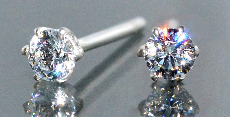 3.0mm 一粒ダイヤモンド 6本爪スタッズピアス PT900(プラチナ)