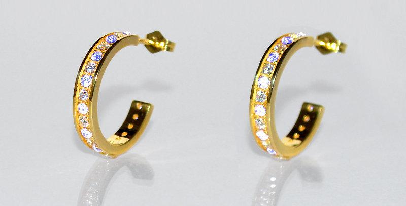6月誕生石ブルームーンストーン&ダイヤモンド エタニティフープピアス K18YG(18金イエローゴールド)