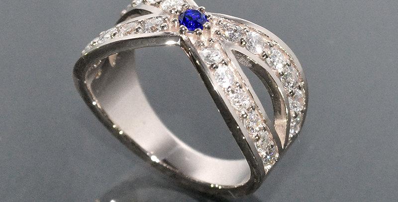 【9月誕生石】 サファイア&ダイヤモンド  インターセクトリング  K18WG(18金ホワイトゴールド)
