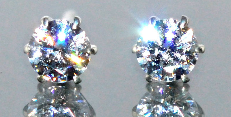 3.5mm 一粒ダイヤモンド 6本爪スタッズピアス PT900(プラチナ)