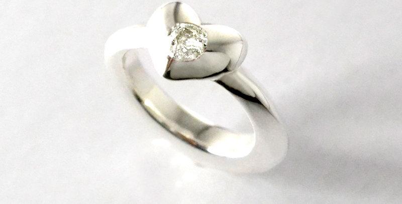 ぷっくりハートのベビーリング 4月誕生石ダイヤモンド SV925(シルバー)