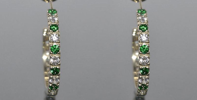 5月誕生石エメラルド&ダイヤモンド エタニティフープピアス K18WG(18金ホワイトゴールド)