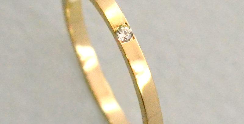 一粒ダイヤモンド フラットリング K10YG(10金イエローゴールド)
