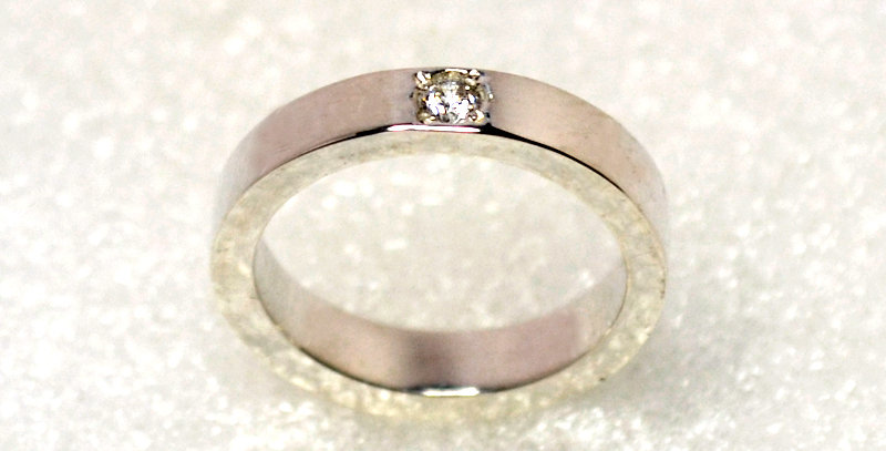 ベビーリング 4月誕生石ダイヤモンド  鏡面仕上げ  スターリングシルバー(SV925)