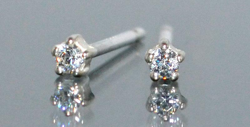 1.5mm 一粒ダイヤモンド 5本爪スタッズピアス PT900(プラチナ)