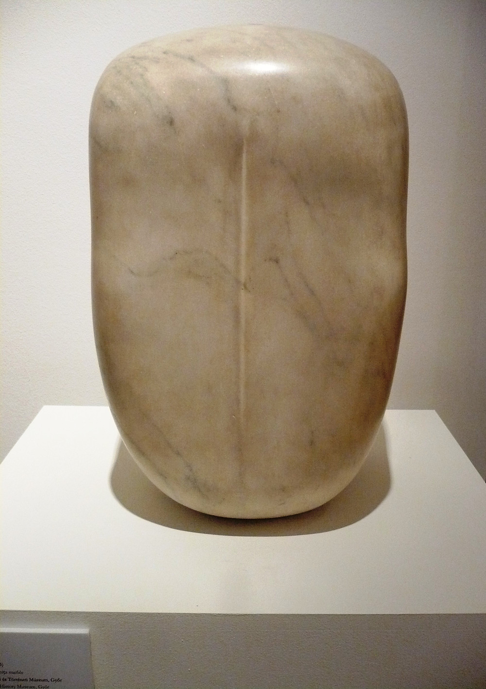 Borsos Miklós: Sibilla Pannonica, 1963.  Ruskicai márvány