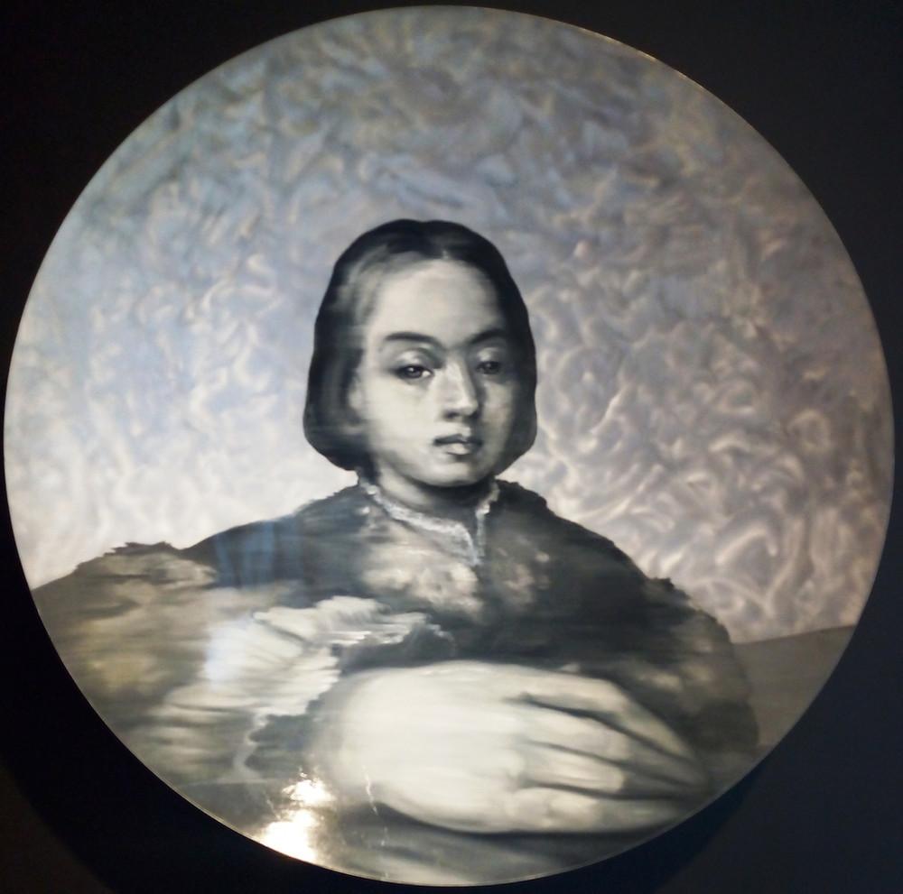 Martin C. Herbst: ReRe.2. Parmigianino Disk 1., 2017. Olaj, konvex alumínium tálon,  ø 120 cm