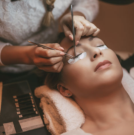procedure-eyelashes-extension-PTQQZN7.jp