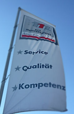 Auto-Einmal-Eins GmbH EU-Fahrzeuge Allersberg Fahne