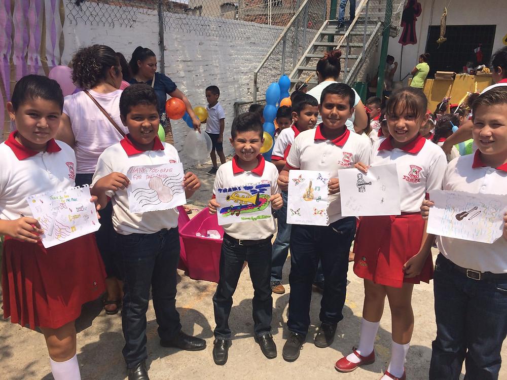 El Colegio Patria gifts of art and song