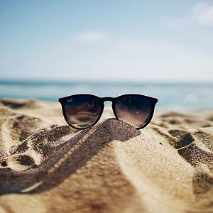 RayBan sunglasses_edited_edited_edited.jpg