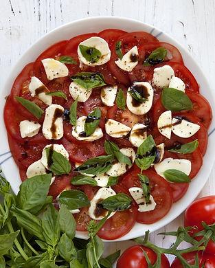 Carpaccio tomates mozza_shutterstock_876