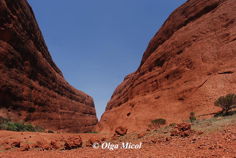 Australia Eyes Rock.jpg