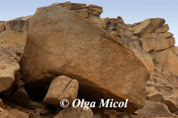 Ladakh rocks.jpg