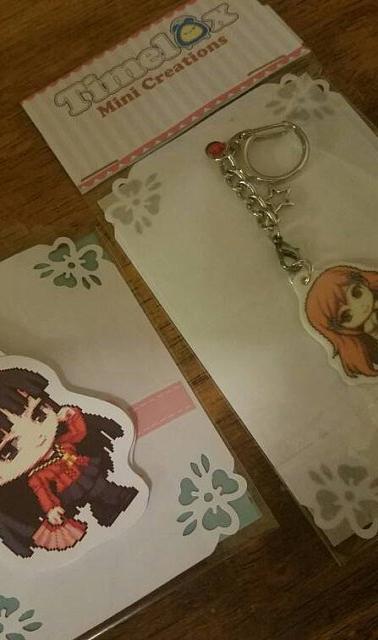 Yukiko magnetic bookmark, Orihime white keychain