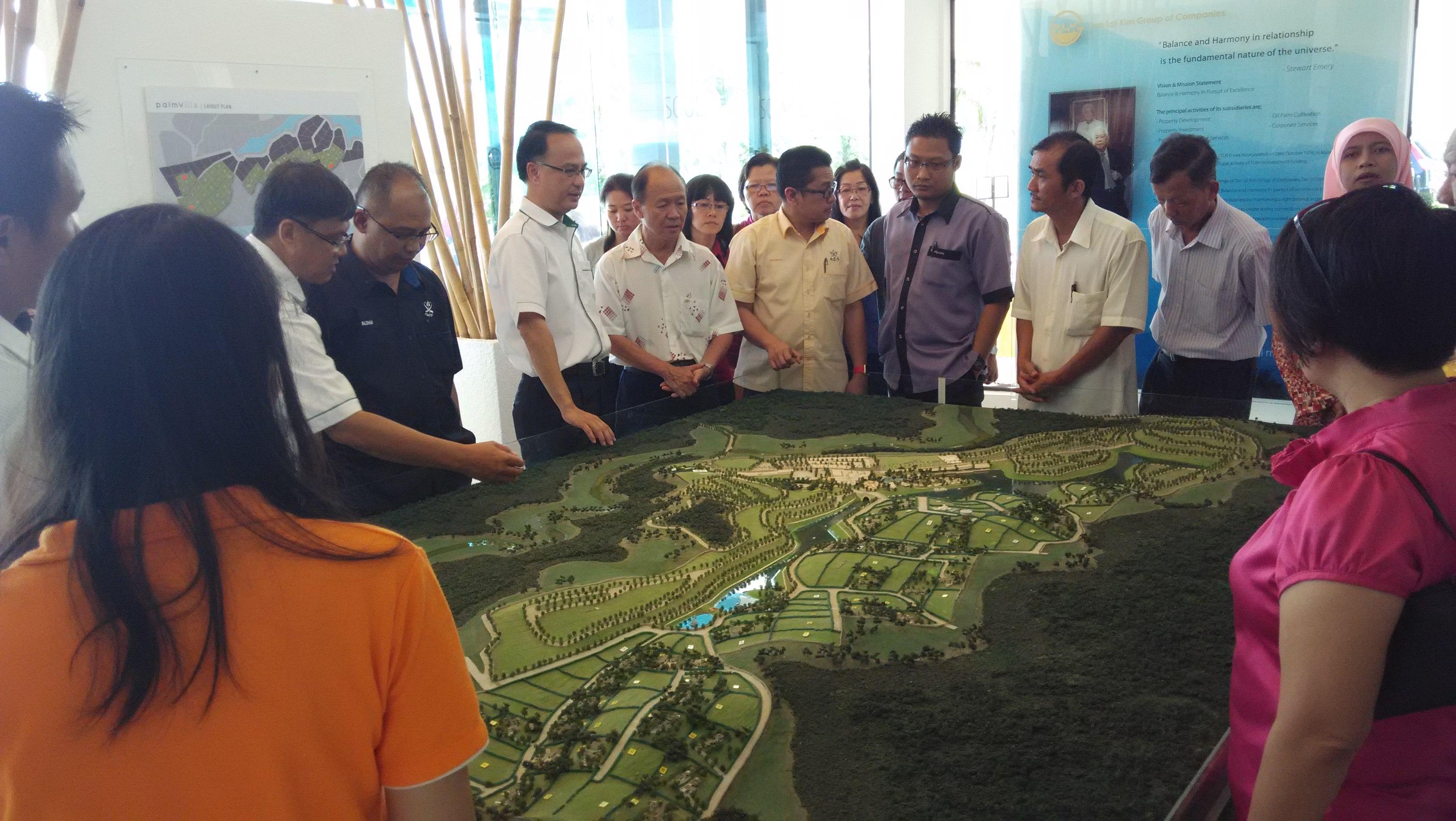Visit by YDP Daerah Bera