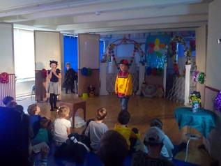 """1 апреля 2017 года в школе состоялся первый на Кипре """" Детский театральный фестиваль""""."""