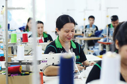 Factory Sewing - MUDE