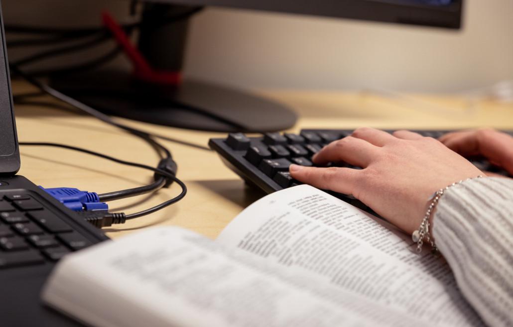 Koltansaamen ja pohjoissaamen digitaaliset sanakirjat valmistuneet