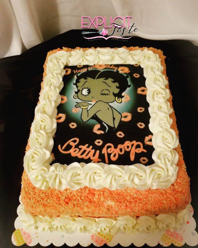 Strawberry crunch sheet cake! #bettyboop
