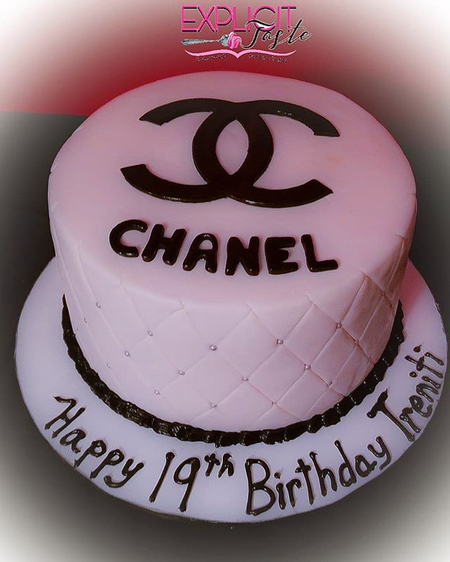 Chanel inspired cake! (Red velvet inside