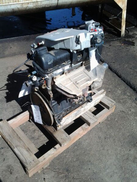2.0 VW Engine 99 Cabrio.jpg