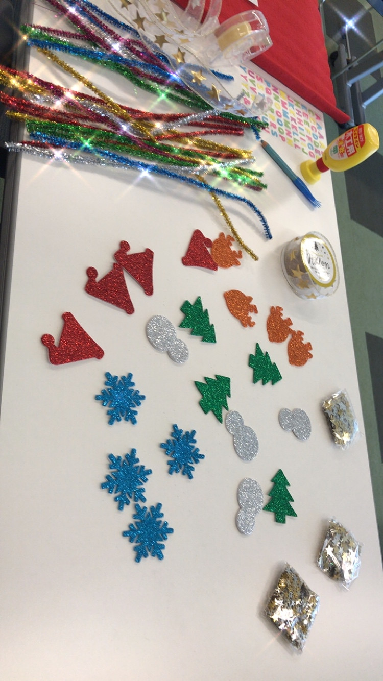 Christmas craft workshop for students :)
