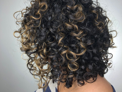 Hair Wizard of Oz's Top 5 Tips for Curly Hair