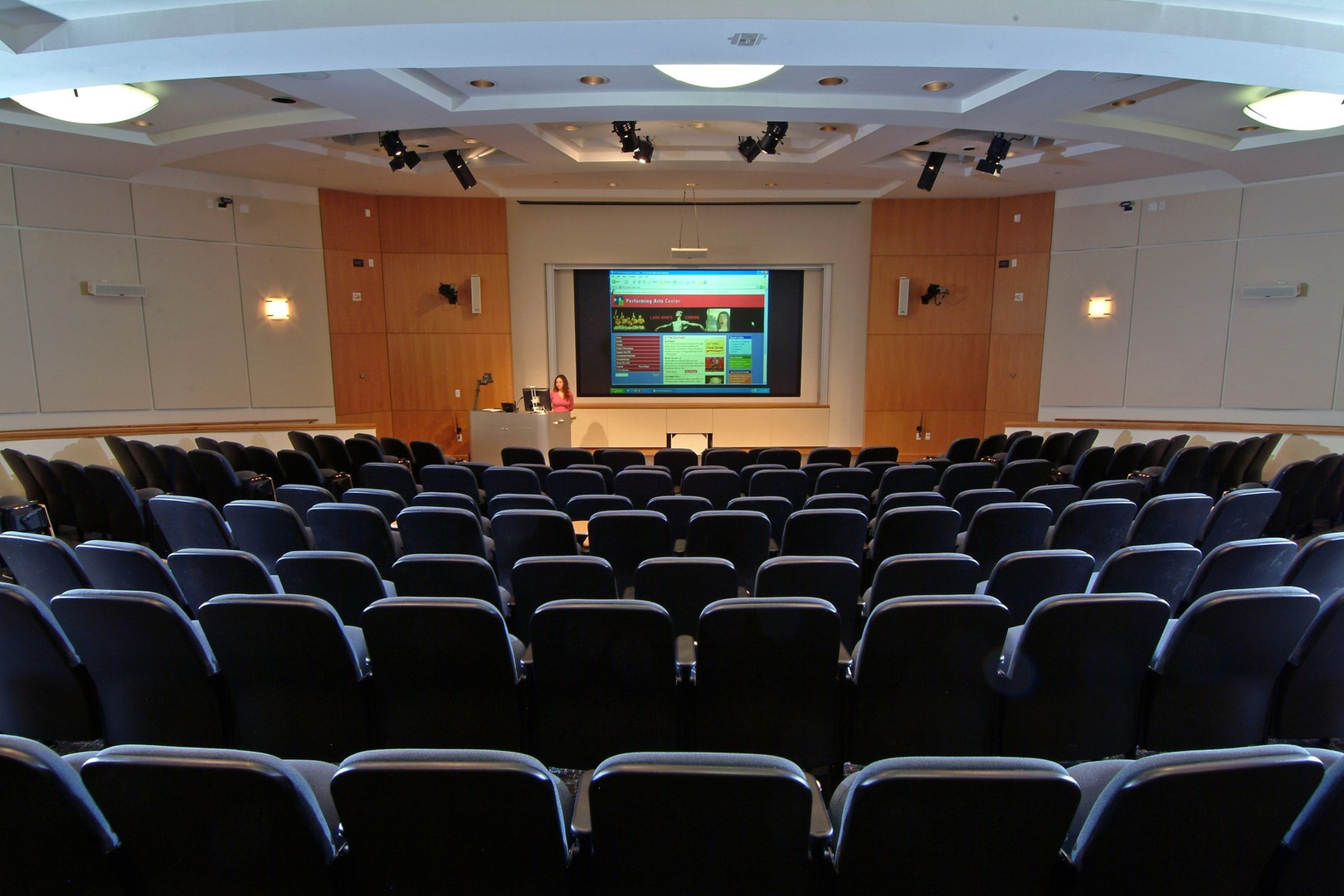 auditorium-meeting-audience-theatre-conf