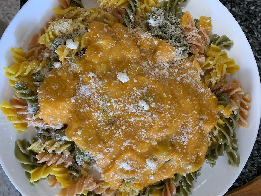 La pasta que utilicé en esta receta es Nature de Gallo de espirulina, remolacha y cúrcuma.