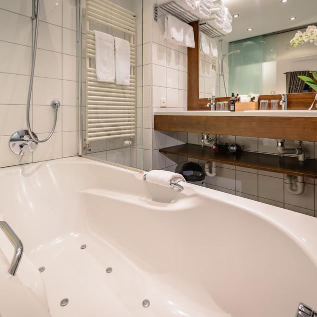 Standard Quad Bathroom 1F.jpg