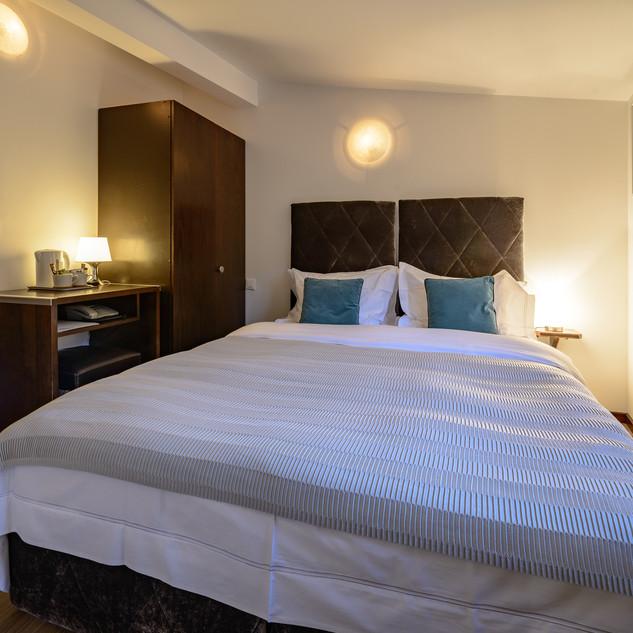 Deluxe Cozy Double Room 3F (2).jpg