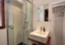Standard Double Room Shower - Central Hotel Verbier