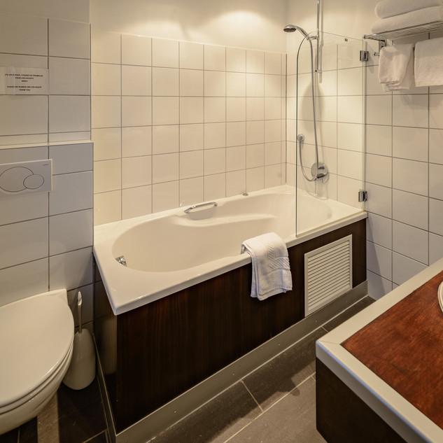 Deluxe Cozy Double Room 3F (3).jpg