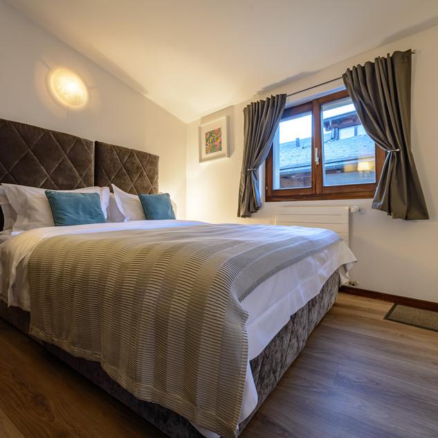 Deluxe Cozy Double Room 3F.jpg