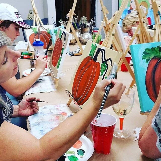 Painting pumpkins tonight _#nava&co #painting #acrylic #downtownlodi #artclasses #paintingparty #lad